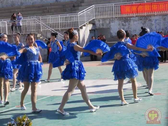 我校获冀州市教体系统集体舞比赛第一名